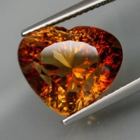 shop-11.90ct.-imperial-champagne-topaz.jpg
